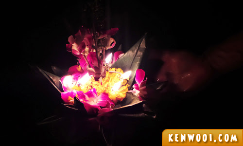 kratong on water