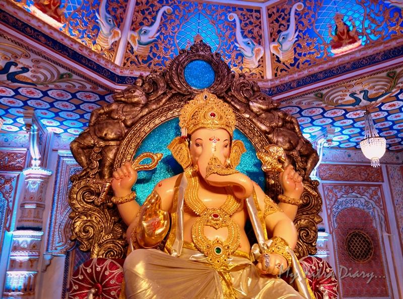 Grand idol of Fortcha Icchapurti Ganesha, Ganesh Pandal Hopping, Mumbai