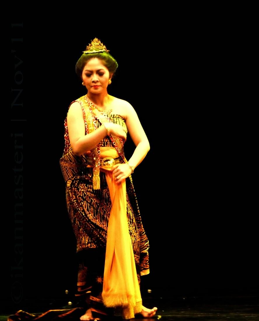 Savitri Satyawan by Retno Maruti