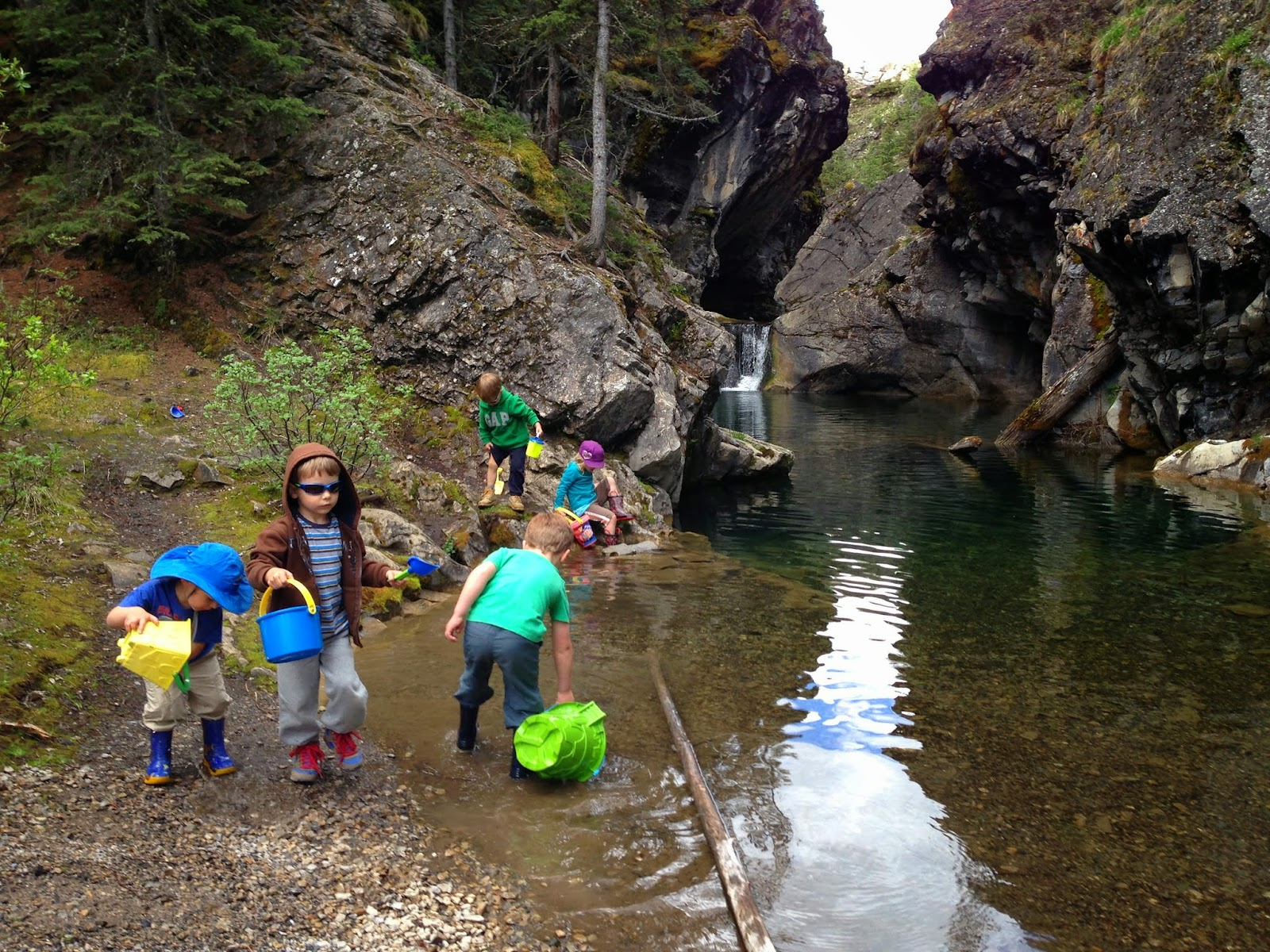 Playing on the Canyon Interpretive Trail & Family Adventures in the Canadian Rockies: Our 5 Favourite ...