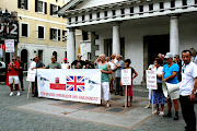 . empeños raros en publicitarlos desde distintos grupos de Gibraltar .
