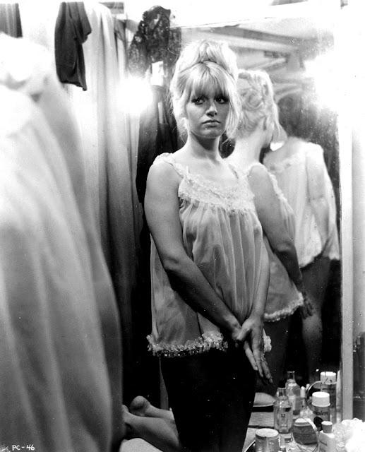 Carol White Nude Photos 39