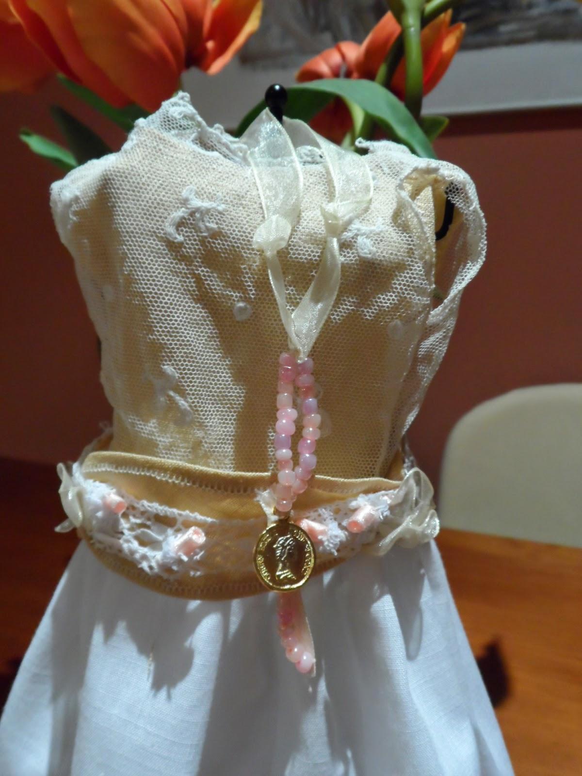 confeccion artesanal vestidos de muñeca