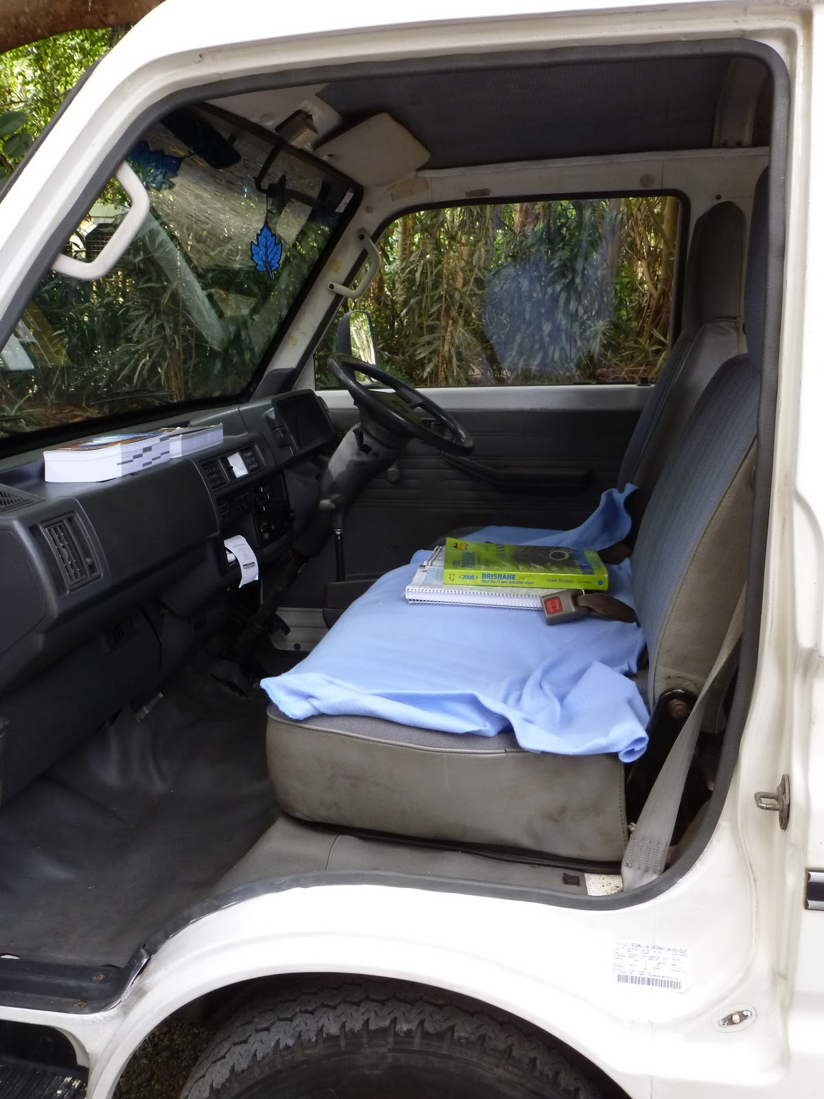 laetitia en vadrouille notre petit van. Black Bedroom Furniture Sets. Home Design Ideas