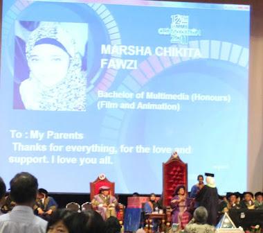 AlhamdulillahTerima BSc dari Tun Dr Siti Hasmah Mahatir Mohammad Wisuda Chikita Fawzi