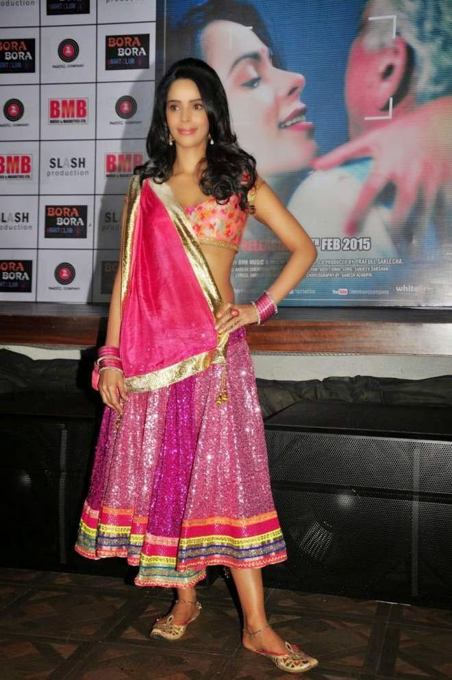 Mallika Sherawat Sexy Lehenga Choli Photo