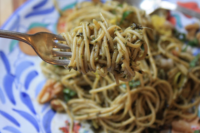 kale pesto pasta with lemon and walnuts