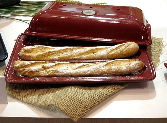 http://www.emilehenry.com/les-collections/gammes-et-sous-gammes/les-collections/secrets-d-emile/faire-son-pain-maison