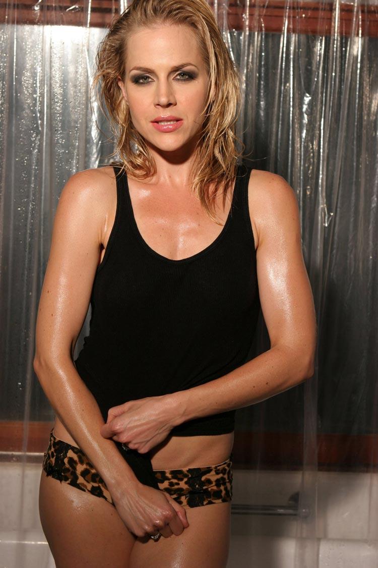 Celebrity Julie Benzs nudes (66 photo), Ass, Hot, Instagram, in bikini 2006