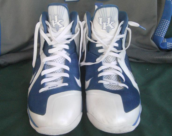 This player exclusive colorway of the Nike LeBron 9 was made for the  University Of Kentucky Wildcats to wear during the 2011-2012 NCAA season.