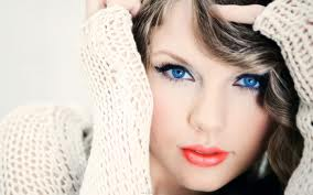 Best Makeup For Women With Blue Eyes