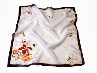 Céges ajándék, üzleti ajándék ötletünk: kézzel festett selyem sálak magyar motívumokkal: kalocsai, jászsági, matyó, kalotaszegi kendők, sálak