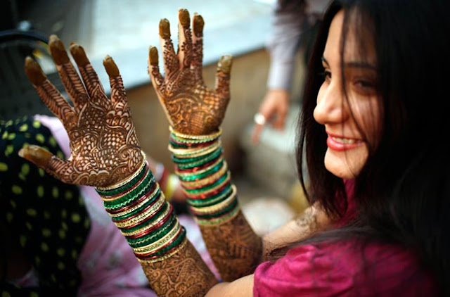 Karwa Chauth Love Shayari For Wife In Hindi