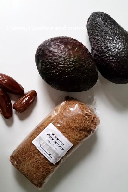 Avocados, Datteln und Kokosblütenzucker