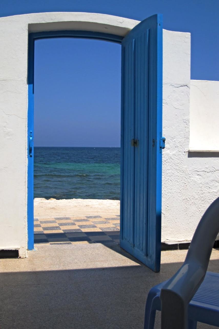 La route des livres une porte ouverte sur la mer for Porte ouverte