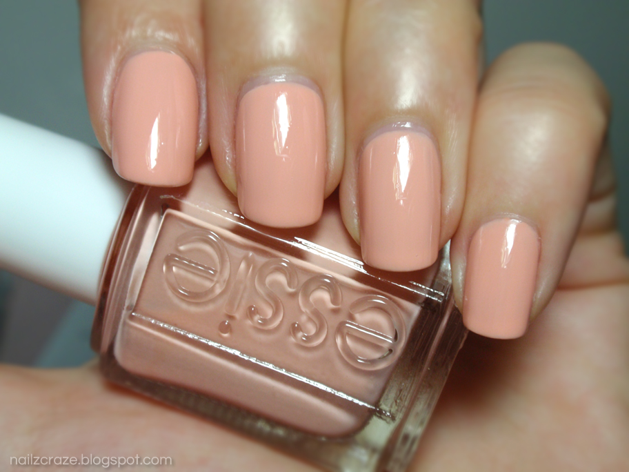 NOTD: Essie A Crewed Interest - Nailz Craze A Crewed Interest Essie