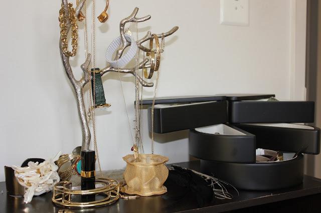o acheter une belle bo te bijoux soin des boucles. Black Bedroom Furniture Sets. Home Design Ideas