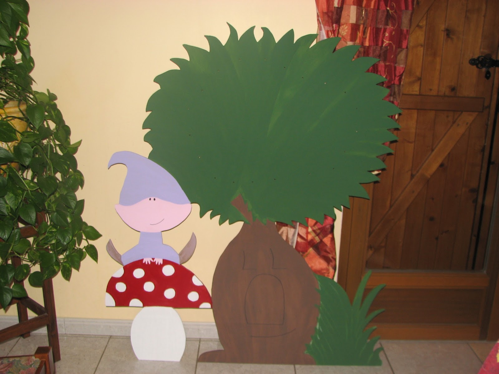 Peinture sur bois pour chambre d 39 enfant cadeaux originaux vitrail et peintures sur verre for Peinture chambre d enfant