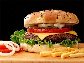 Hamburguesa con patatas fritas