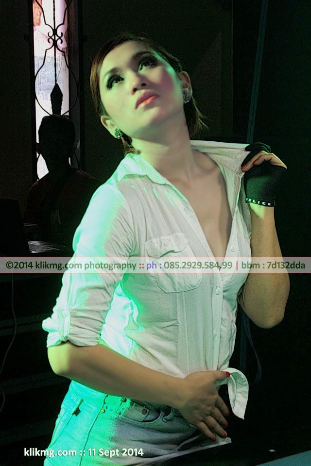 Gadis Bilyard 2 yang Semok dan Seksi - Foto oleh : klikmg fotografi, Fotografer Purwokerto