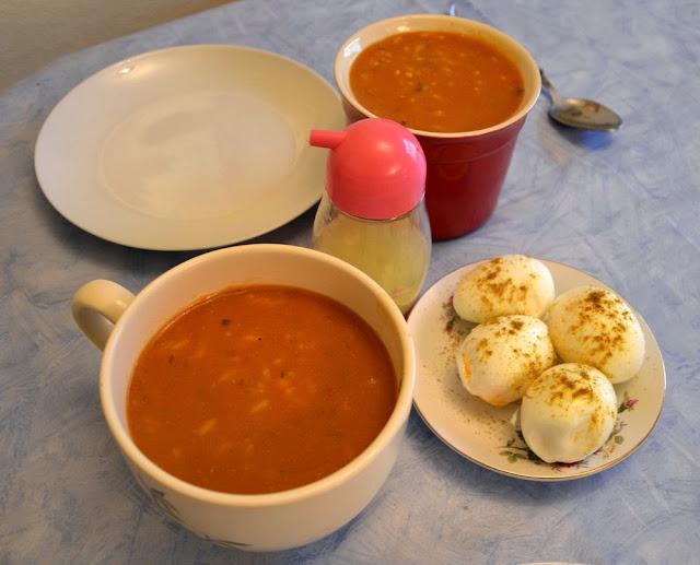Zupka Harira z wątróbką drobiową, ryżem, selerem i grochem włoskim