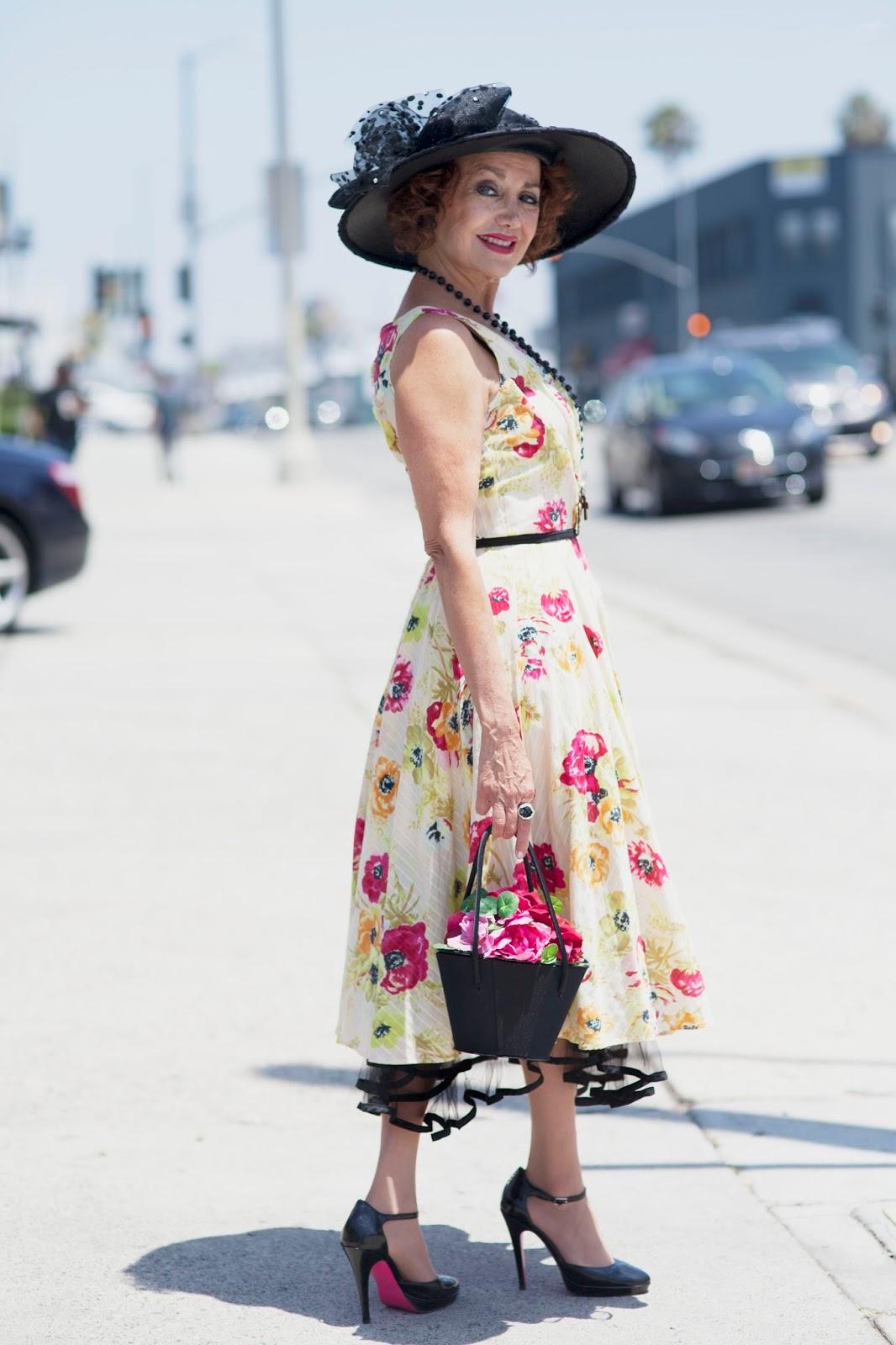 Фото бабуль в платьях 11 фотография