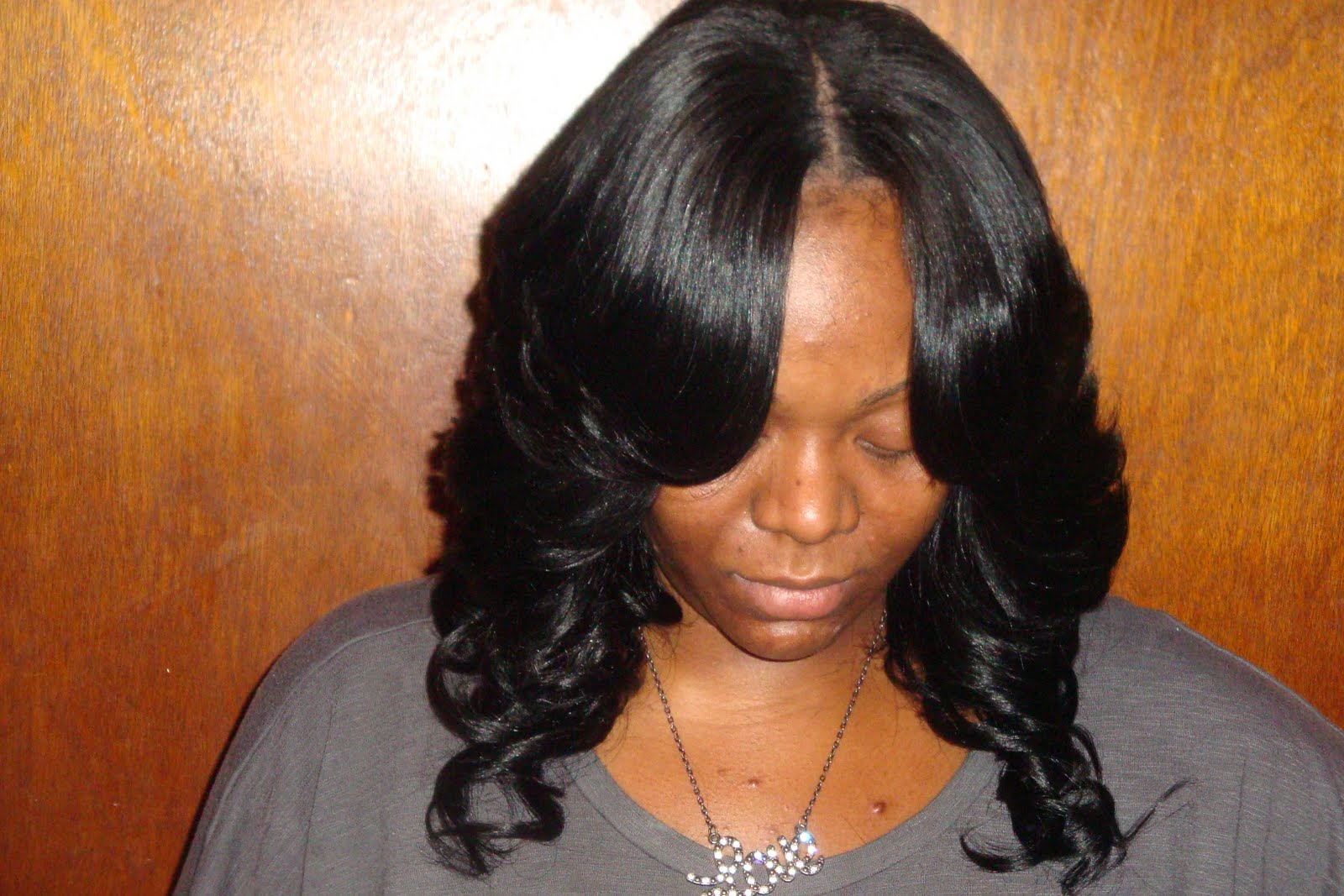 Bob Hairstyles with Middle Part Weave