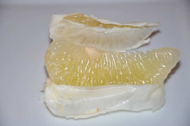 Tip: How to Peel a Pomelo by www.dish-away.com