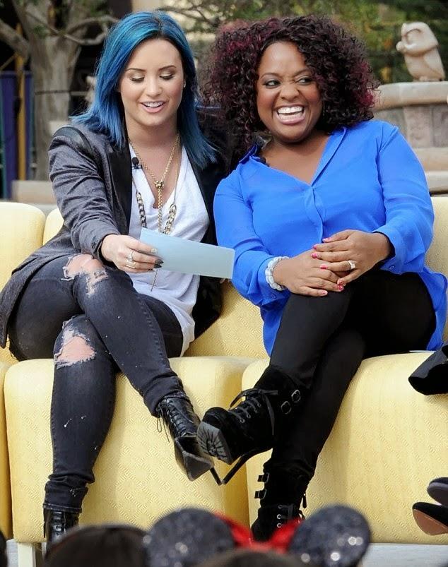 Demi Lovato luce cabello azul