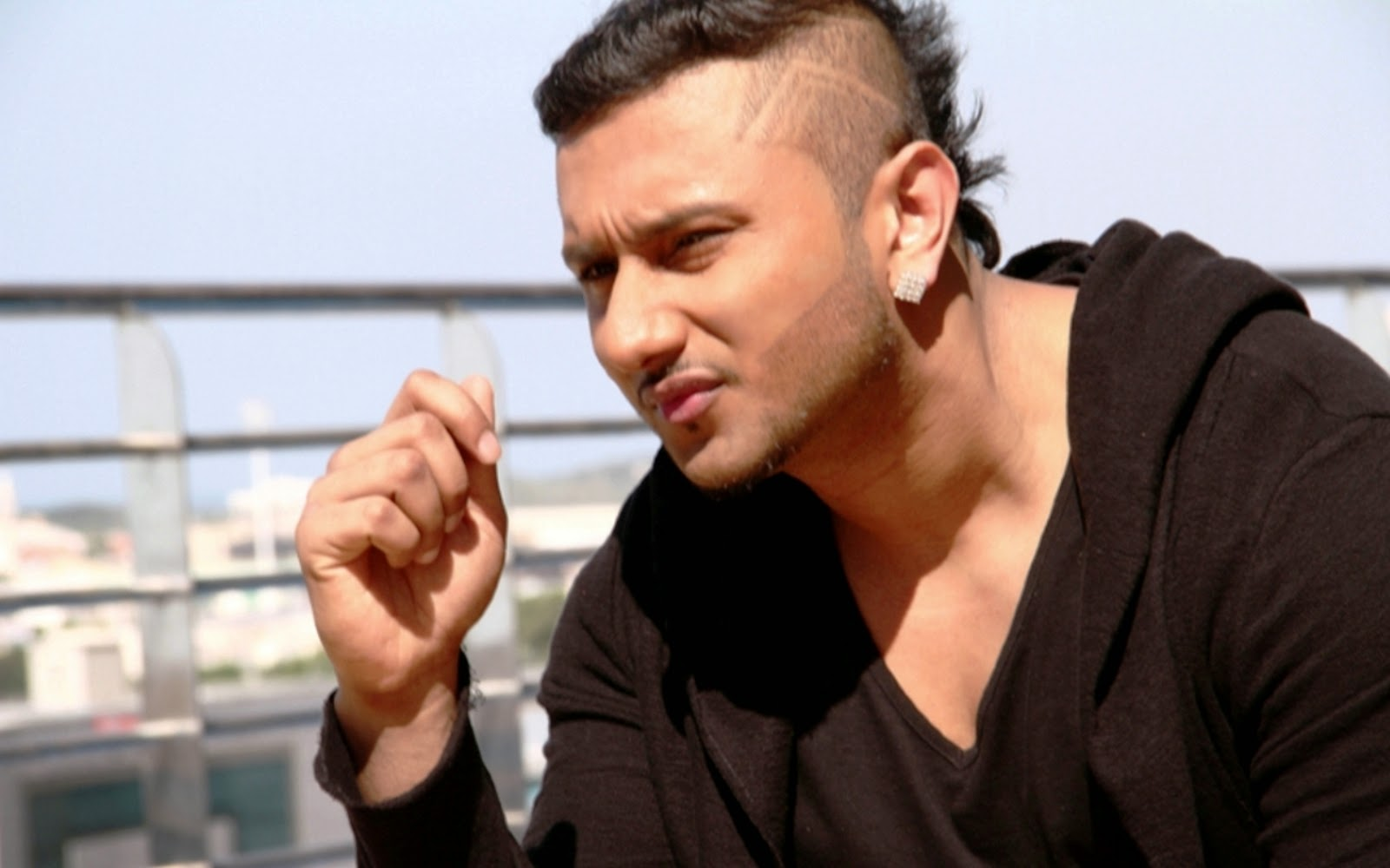 Yo Yo Honey Singh-Stil...