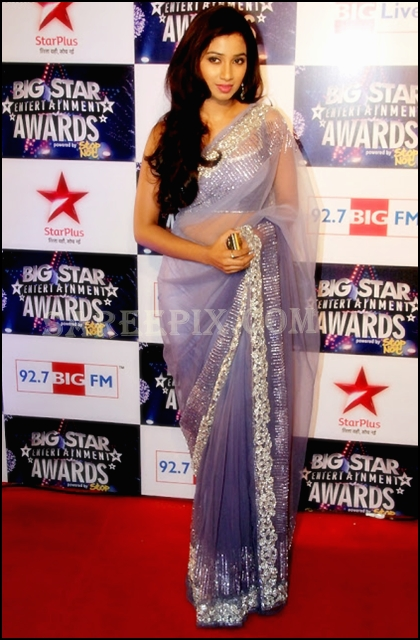 Shreya_Ghoshal_transparent_designer_saree