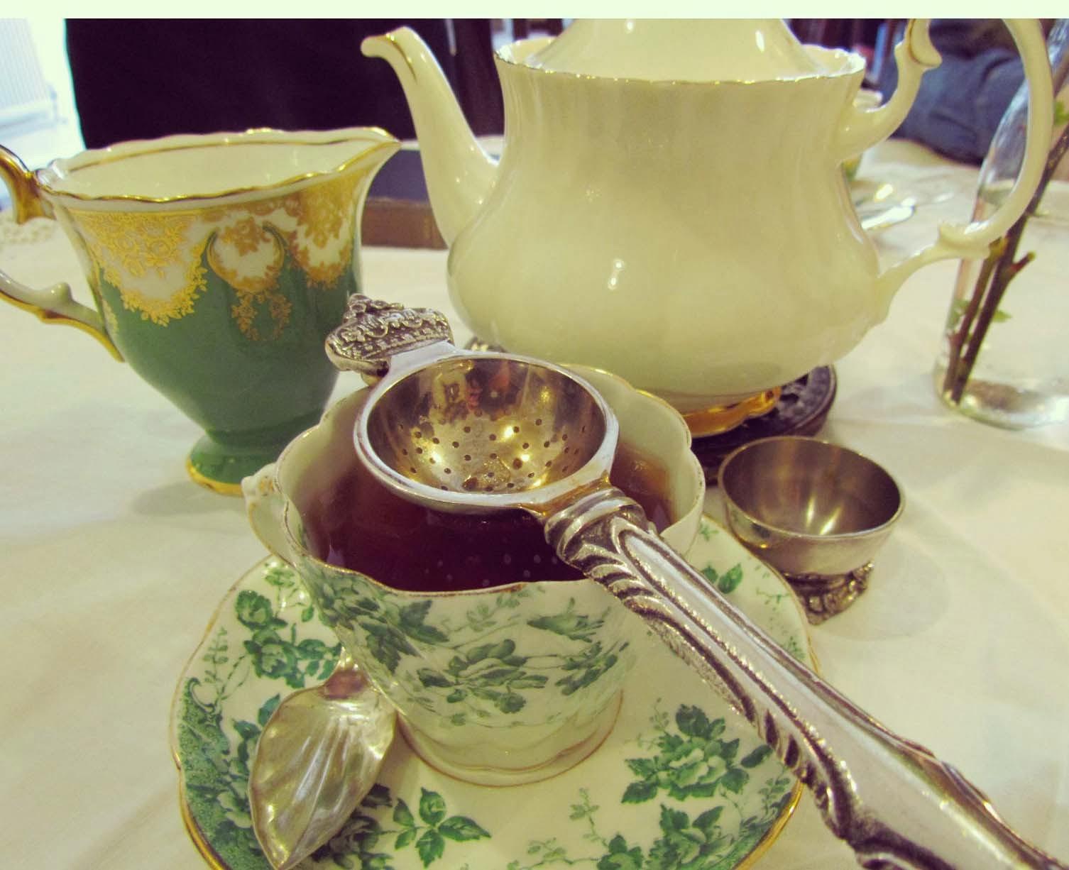 Totteridge and Whetstone, London, places to eat, treat, afternoon tea,  52 Totteridge Ln, London N20 9QJ, cafe, cup of tea, lovely, treat, great food, vintage, furniture,  quaint, teashop, The Waiting Room,