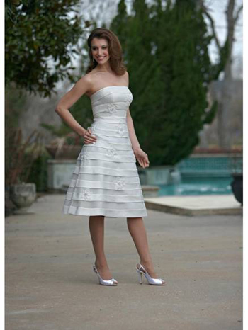 For example strapless beach wedding dresses are perfect to display your