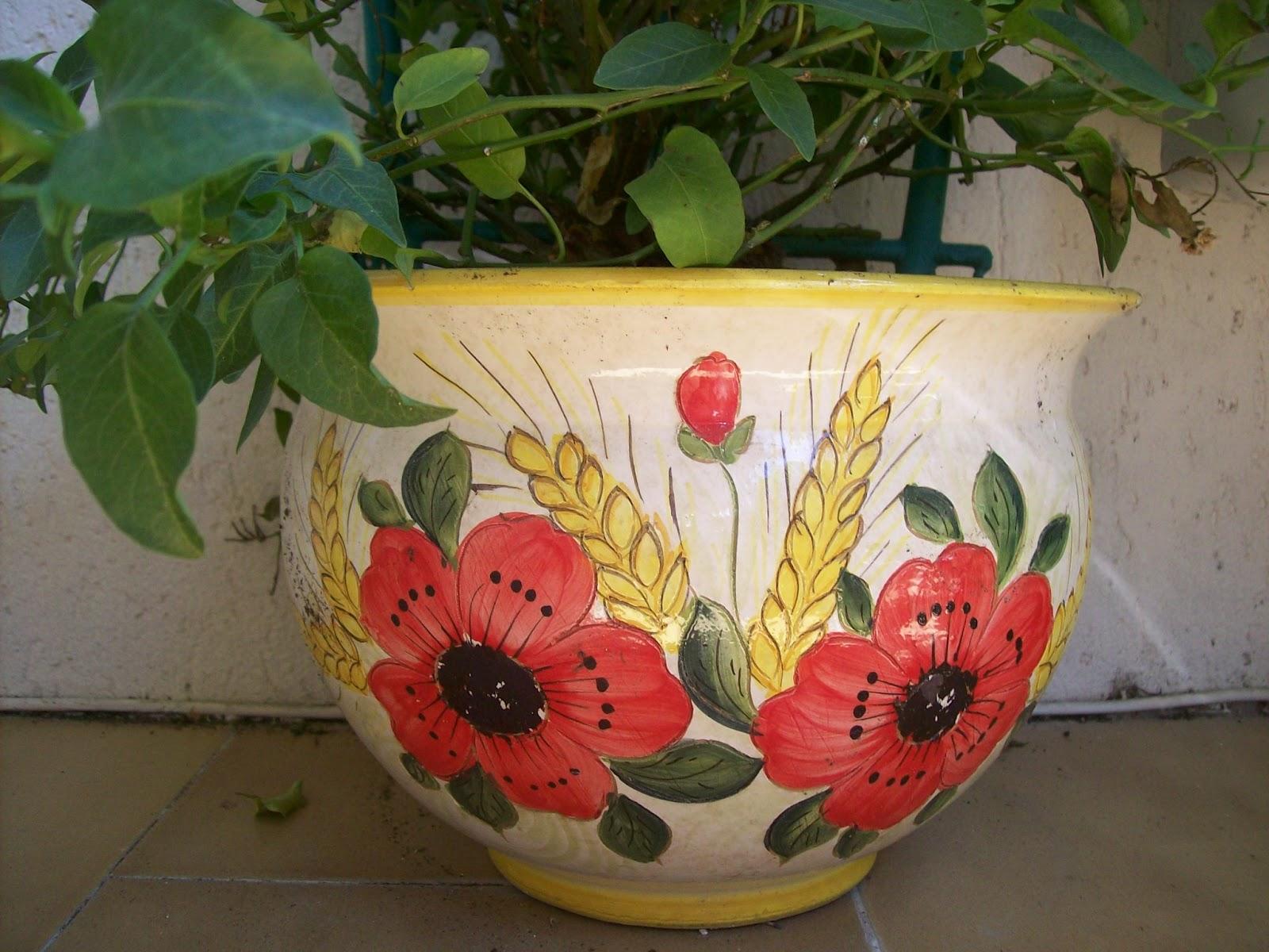 Ceramica che passione i vasi per le piante di maiolica for Vasi di fiori dipinti
