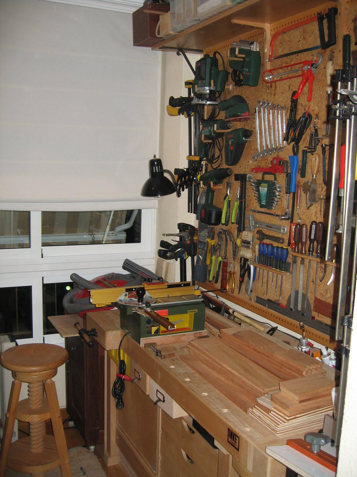 Los comienzos carpinter a para aficionados relatos de for Casa para herramientas