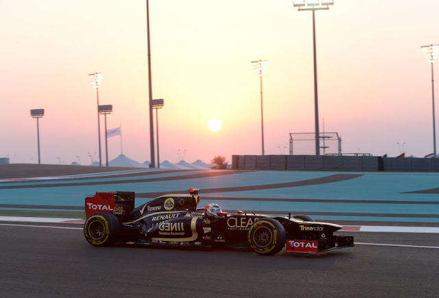 Kimi Raikkonen won a dramatic Abu Dhabi Grand Prix from Fernando Alonso as safety car periods helped Sebastian Vettel to third place.