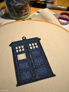 i realised after i was done that it's missing the black police box strip at the top