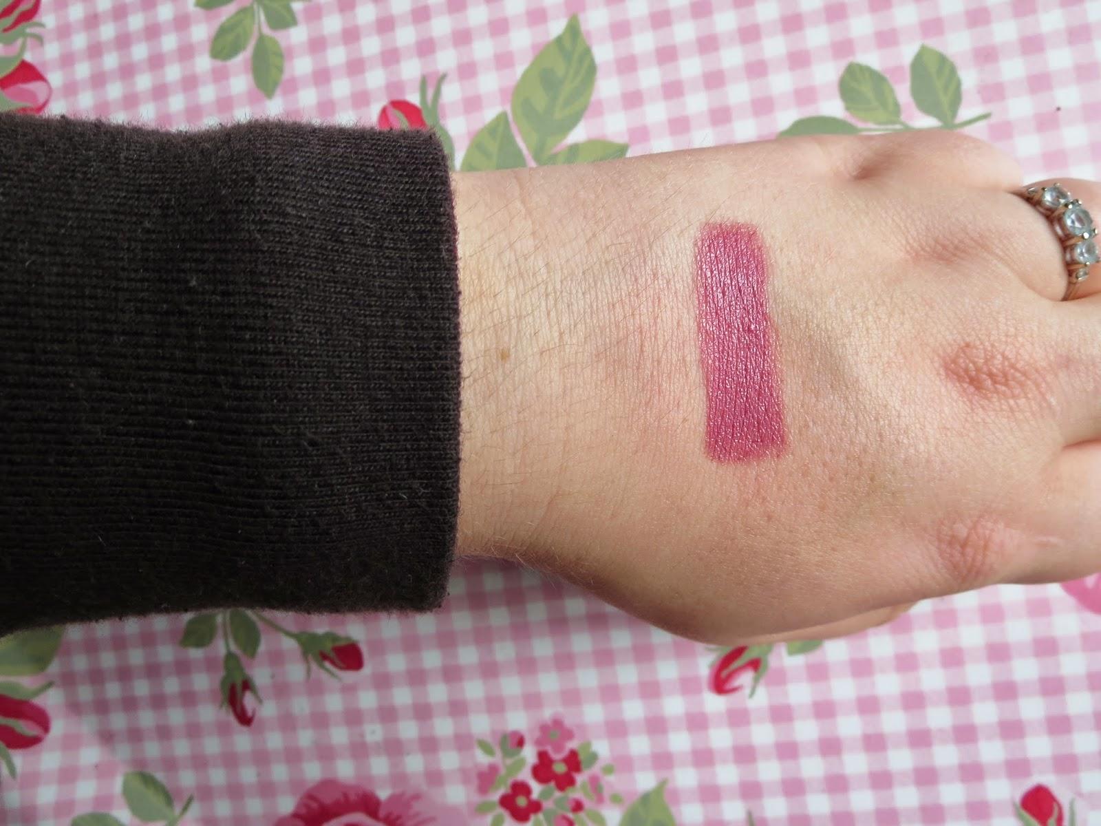 L'oreal Colour Riche Lipstick Saucy Mauve L'oreal Colour Riche in