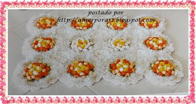 Tapete de Crochê com Flor e Gráfico