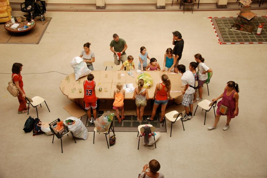 Roba da bambini esperimenti con materiali che mutano for Materiali da costruzione che iniziano con i