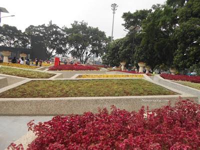 Taman Bunga Di Alun-alun Bandung