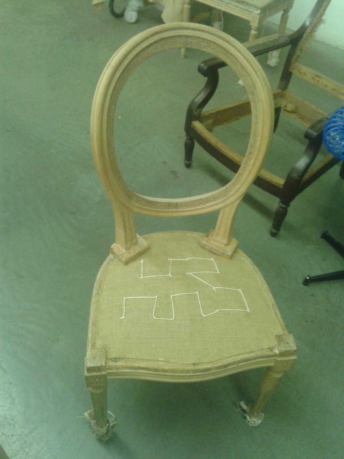 C 39 est pas pour faire tapisserie chaise m daillon - Chaise pour faire pipi ...