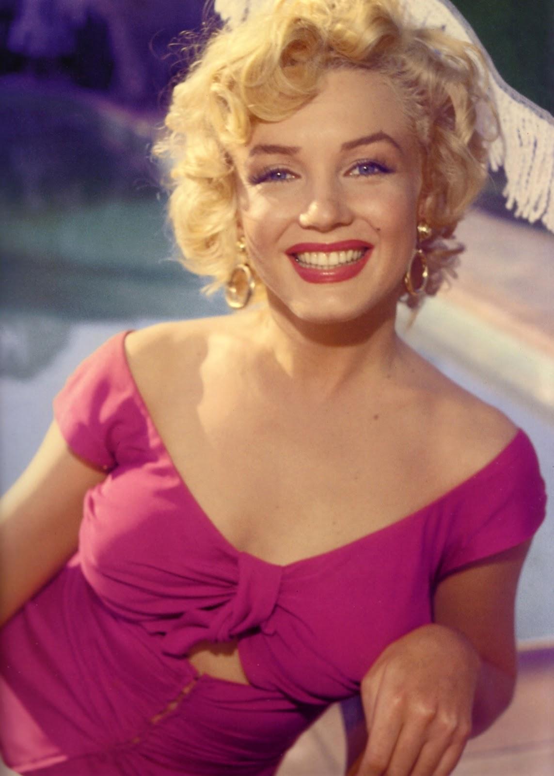 http://1.bp.blogspot.com/-rGACzlxj3Dc/UPolp7Rx_uI/AAAAAAAAAuk/GLCg9TlBphM/s1600/Marilyn+Monroe.jpg