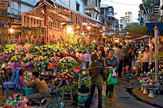 Quang Ba flower market-a day inHN