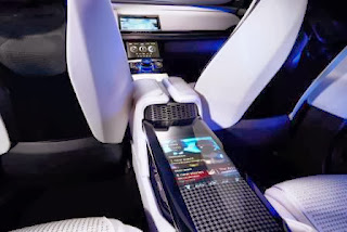 jaguar c-x17 concept - futuristic entertainment