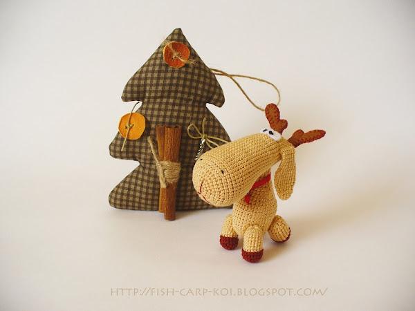 Новогодний лось - игрушка, связанная крючком