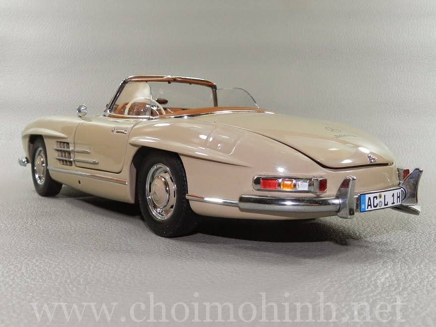 Mercedes-Benz 300 SL Roaster 1957 1:18 Minichamps back