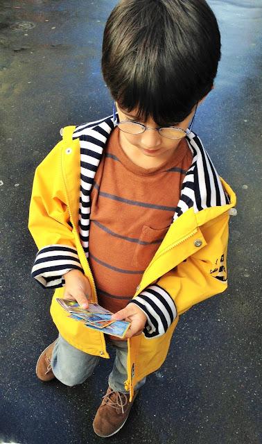blog maman enfant famille maîtresse école paris ciré jaune pluie pokemon