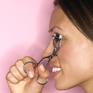 eye lash curling