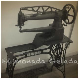 máquina antiga singer